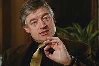 07 APR 2000, BERLIN/GERMANY:<br /> Prof. Dr. Andreas Troge, Präsident Umweltbundesamt, während einem Interview, in seinem Büro, Umweltbundesamt<br /> IMAGE: 20000407-01/02-09