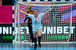 Katarina Krpez - Slezak of Serbia celebrate during the Women's EHF Euro 2020 match between Netherlands and Serbia at Sydbank Arena on december 05, 2020 in Kolding, Denmark (Photo by RHF Agency/Ronald Hoogendoorn)
