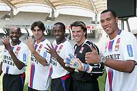 Cacapa /juninho / Govou / Coupet et Carew - OL lyon - Foot Football - largeur attitude popse portrait insolite