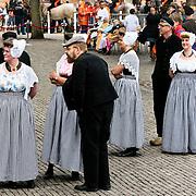 NLD/Middelburg/20100430 -  Koninginnedag 2010, Zeeuwse klederdracht