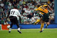 Photograph: Scott Heavey.<br />Fulham V Celtic. Pre-season friendly. 17/07/2003.<br />Stilian Petrov fires in  for Celtics first.