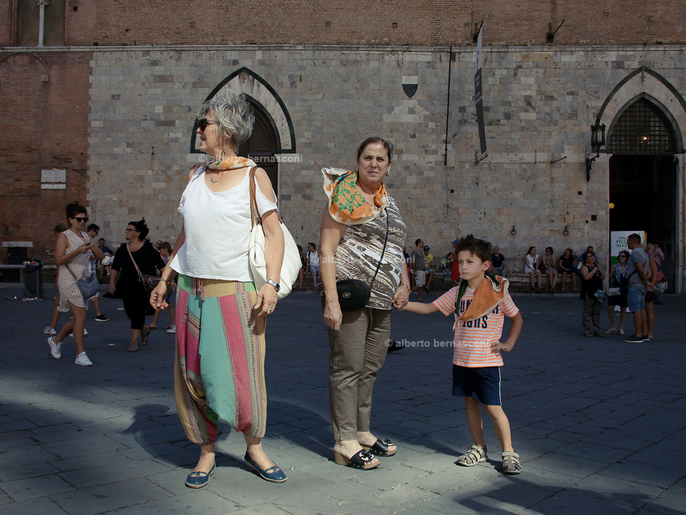 Italy, Siena, the Palio: the day before the Palio, traditional parade
