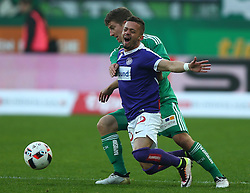 23.10.2016, Allianz Stadion, Wien, AUT, 1. FBL, SK Rapid Wien vs FK Austria Wien, 12 Runde, im Bild Stephan Auer (SK Rapid Wien) und Venuto (FK Austria Wien) // during Austrian Football Bundesliga Match, 12th Round, between SK Rapid Vienna and FK Austria Wien at the Allianz Stadion, Vienna, Austria on 2016/10/23. EXPA Pictures © 2016, PhotoCredit: EXPA/ Thomas Haumer