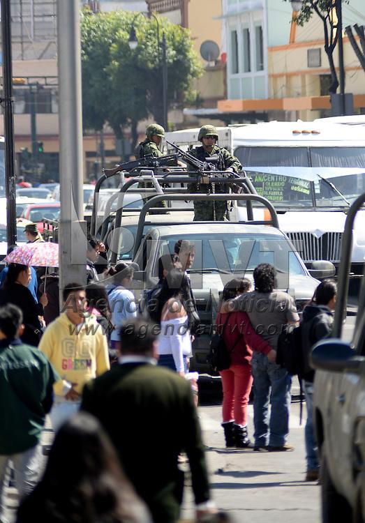 Toluca, México.- A partir de este viernes 14 de febrero elementos del  Servicio Secreto de Estados Unidos de América y del Estado Mayor Presidencial, Ejercito Mexicano, SSC, policías federales tomaron el control de las principales avenidas de la capital mexiquense, al igual que edificios públicos, previo a la realización de la Cumbre de líderes de Norteamérica. Agencia MVT /Crisanta Espinosa