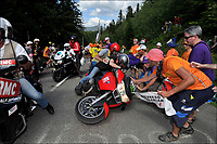 Sykkel<br /> 06.07.2013<br /> Tour de France<br /> Foto: PhotoNews/Digitalsport<br /> NORWAY ONLY<br /> <br /> AX 3 DOMAINES, FRANCE - JULY 06: Crash of the RTL motorbike during the eighth stage of the 2013 Tour de France from Castres to Ax 3 Domaines on July 06, 2013 in Ax 3 Domaines, France.