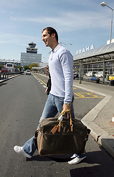PRAGUE, CZECH REPUBLIC - Monday, August 20, 2007: Chelsea and Czech Republic goalkeeper Petr Cech arrives at Prague Ruzny Airport as he announces his wife Martina is pregnant with their first child. (Pic by Petr Novotny/Aha!/Propaganda)