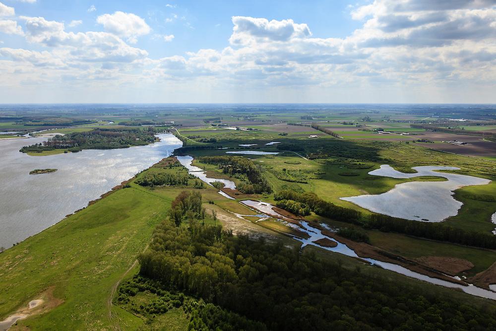 Nederland, Zeeland, Gemeente Terneuzen, 09-05-2013; Braakmanpolder met Noorderbosschen. Voormalige zeearm met zicht op de Braakman en het water van de Braakmankreek (links).<br /> Nature reserve and recreation area Braakman polder and Noorderbosschen (woods), a former estuary (Braakman) overlooking the  creeks (Zeeland).<br /> luchtfoto (toeslag op standard tarieven)<br /> aerial photo (additional fee required)<br /> copyright foto/photo Siebe Swart