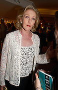 Patricia Hodge, Grosvenor House Antiques fair charity preview in aid of Macmillan Cancer Relief, 10 June 2004. ONE TIME USE ONLY - DO NOT ARCHIVE  © Copyright Photograph by Dafydd Jones 66 Stockwell Park Rd. London SW9 0DA Tel 020 7733 0108 www.dafjones.com
