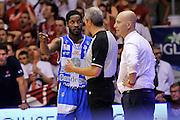 DESCRIZIONE : Campionato 2014/15 Serie A Beko Grissin Bon Reggio Emilia - Dinamo Banco di Sardegna Sassari Finale Playoff Gara7 Scudetto<br /> GIOCATORE : Jerome Dyson Luigi LaMonica<br /> CATEGORIA : Fair Play Arbitro Referee<br /> SQUADRA : Dinamo Banco di Sardegna Sassari<br /> EVENTO : LegaBasket Serie A Beko 2014/2015<br /> GARA : Grissin Bon Reggio Emilia - Dinamo Banco di Sardegna Sassari Finale Playoff Gara7 Scudetto<br /> DATA : 26/06/2015<br /> SPORT : Pallacanestro <br /> AUTORE : Agenzia Ciamillo-Castoria/L.Canu