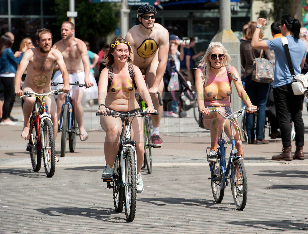© Licensed to London News Pictures. 27/06/2015. Bristol, UK.  The World Naked Bike Ride event in Bristol, highlighting cyclists' vulnerability in traffic.  Photo credit : Simon Chapman/LNP