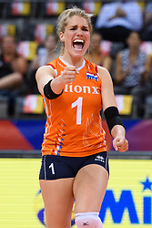 12.06.2018, Porsche Arena, Stuttgart<br /> Volleyball, Volleyball Nations League, Türkei / Tuerkei vs. Niederlande<br /> <br /> Jubel Kirsten Knip (#1 NED)<br /> <br /> Foto: Conny Kurth / www.kurth-media.de