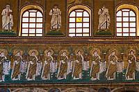 Italie, Emilie-Romagne, Ravenne, la Basilique Saint Apollinaire le Neuf, patrimoine mondial de l'UNESCO //Italy, Emilia-Romagna, Ravenna, Sant Apollinare Nuovo Basilica, UNESCO world heritage