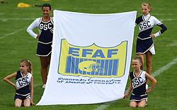 27.07.2010, Wetzlar Stadion, Wetzlar, GER, Football EM 2010, Team France vs Team Great Britain, im Bild Cheerleader mit Fahne der EFAF,  EXPA Pictures © 2010, PhotoCredit: EXPA/ T. Haumer