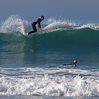 USA, California, San Diego. Surfing at Cardiff by the Sea.