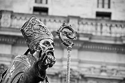 Lecce - Festeggiamenti in onore di Sant'Oronzo, San Giusto e San Fortunato. Primo piano della statua di Sant'Oronzo.