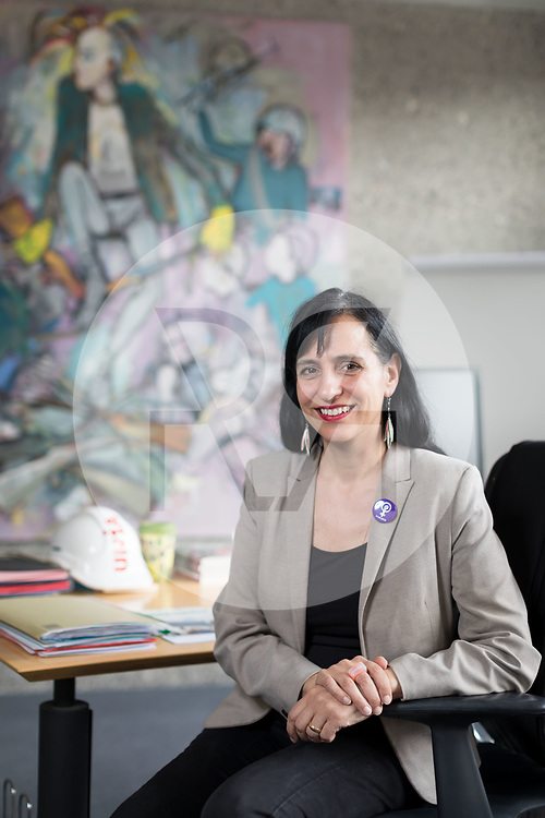SCHWEIZ - BERN - Vania Alleva, Präsidentin der Gewerkschaft Unia, in ihrem Büro - 12. April 2019 © Raphael Hünerfauth - http://huenerfauth.ch