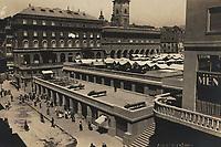 Zagreb : Tržnica. <br /> <br /> ImpresumS. l. : [S. n., 1932].<br /> Materijalni opis1 razglednica : tisak ; 8,9 x 13,8 cm.<br /> Vrstavizualna građa • razglednice<br /> ZbirkaGrafička zbirka NSK • Zbirka razglednica<br /> Formatimage/jpeg<br /> PredmetZagreb –– Dolac<br /> SignaturaRZG-DOL-2<br /> Obuhvat(vremenski)20. stoljeće<br /> NapomenaRazglednica je putovala 1932. godine.<br /> PravaJavno dobro<br /> Identifikatori000952546<br /> NBN.HRNBN: urn:nbn:hr:238:745097 <br /> <br /> Izvor: Digitalne zbirke Nacionalne i sveučilišne knjižnice u Zagrebu