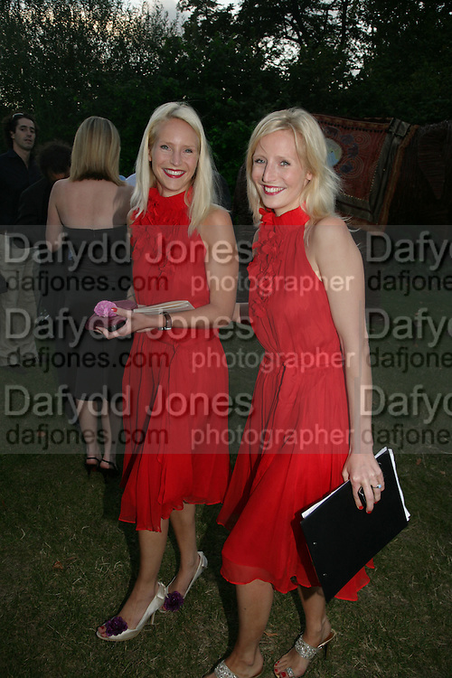 Ruth  and Mary Powys, QUINTESSENTIALLY AND ELEPHANT FAMILY TRUNK SHOW PARTY. SERPENTINE PAVILION, HYDE PARK. 16 SEPTEMBER 2007. -DO NOT ARCHIVE-© Copyright Photograph by Dafydd Jones. 248 Clapham Rd. London SW9 0PZ. Tel 0207 820 0771. www.dafjones.com.