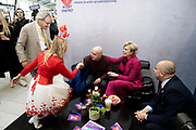 Prinses Laurentien en bekende nederlanders voeren op Valentijnsdag echte gesprekken op station Utrecht Centraal als onderdeel van de actie #echtcontact.<br /> <br /> Op de foto:  Prinses Laurentien en Roger van Boxtel, President-Directeur van NS
