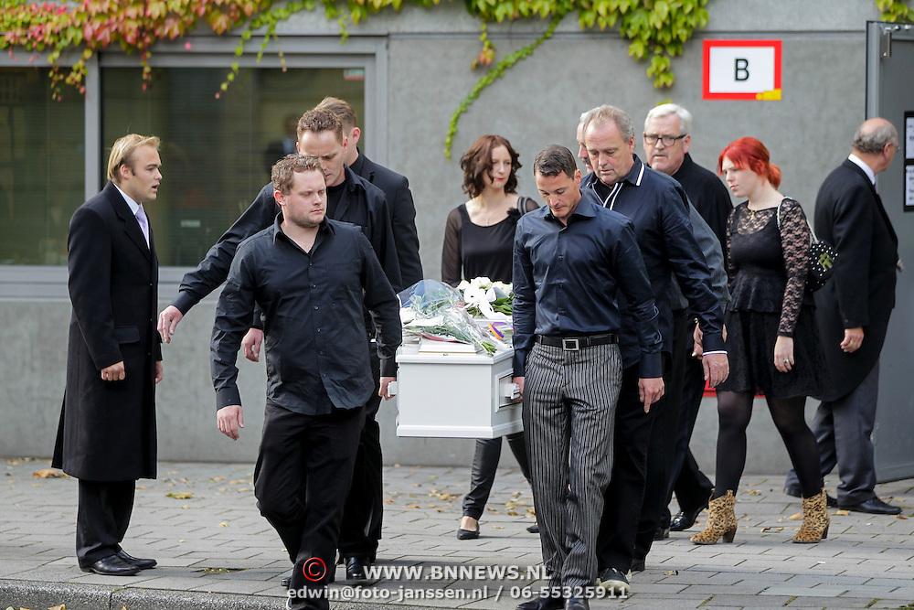 NLD/Amstelveen/20120917 - Uitvaart Rosemarie Smid - Giesen van der Sluis, familie,