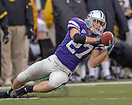 Kansas State wide receiver Jordy Nelson pulls in a pass in the second half against Missouri at Bill Snyder Family Stadium in Manhattan, Kansas, November 19, 2005.  K-State defeated the Missouri Tigers 36-28.