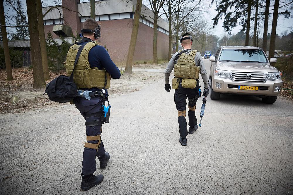 Ossendracht, 24 maart 2016.<br /> BSB training, De Brigade Speciale Beveiligingsopdrachten (BSB) is een speciale eenheid van de Koninklijke Marechaussee die behoort tot de special forces van Nederland.