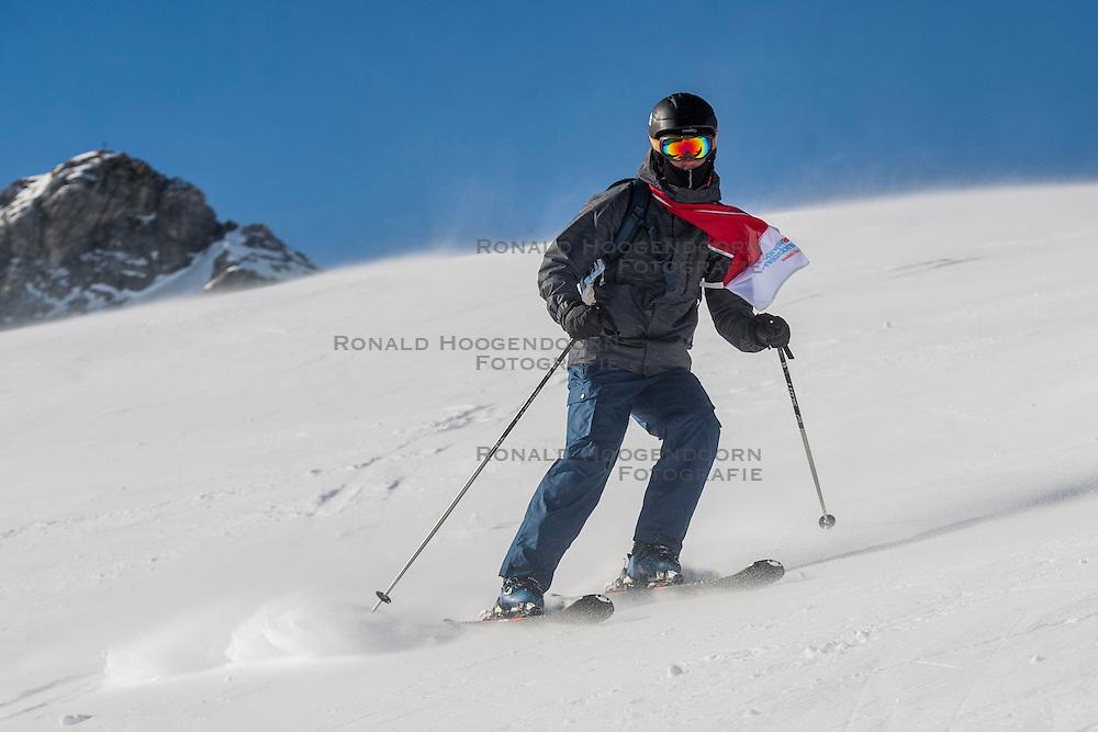 26-01-2017 AUT: BvdGF wintersportkamp dag 2, Obertauern<br /> Het 7de jaar wintersportkamp van de BvdGF is verhuisd naar Obertauern. Prachtige pistes, geweldig jeugdhotel en fantastisch weer maakt er weer een onvergetelijk kamp van / Rick