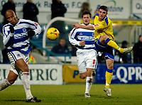 Photo: Daniel Hambury.<br />Queens Park Rangers v Cardiff City. Coca Cola Championship. 28/12/2005.<br />Cardiff's Jason Koumas shoots for goal.