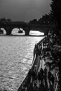 France. Paris. 4th district. the seine river and the  Pont neuf .  /  le pont Neuf sur la seine