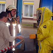 Verdacht poeder in bus Connexxion busstation Huizen, overhandiging aan technische recherche