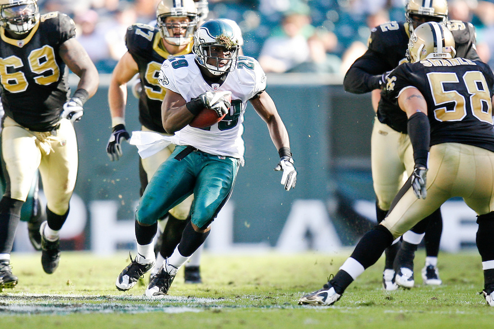 Philadelphia Eagles running back LeSean McCoy #29 carries the ball during the NFL game between the New Orleans Saints and the Philadelphia Eagles on September 20th 2009. The Saints won 48-22 at Lincoln Financial Field in Philadelphia, Pennsylvania. (Photo By Brian Garfinkel)