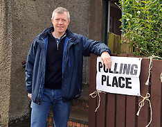 Willie Rennie casts his vote | Keltybridge | 5 May 2016