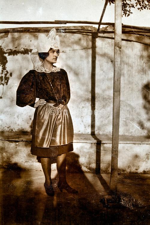 hotel servant posing in Sale Morocco 1930s