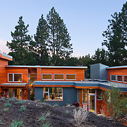 Steel and wood modern exterior residence architecture and design