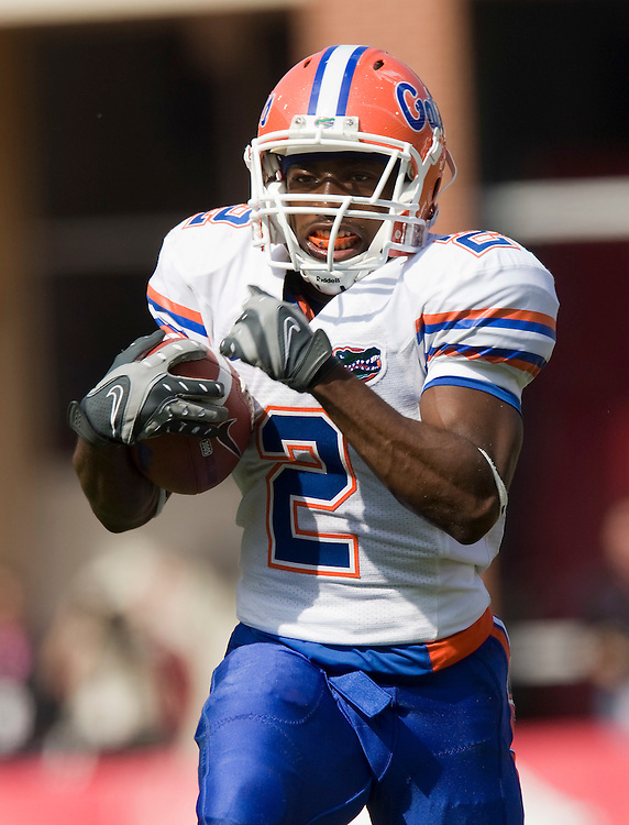 FAYETTEVILLE, AR - OCTOBER 4:   Jeffrey Demps #2 of the Florida Gators runs for a touchdown against the Arkansas Razorbacks at Donald W. Reynolds Stadium on October 4, 2008 in Fayetteville, Arkansas.  The Gators defeated the Razorbacks 38 to 7.  (Photo by Wesley Hitt/Getty Images) *** Local Caption *** Jeffrey Demps