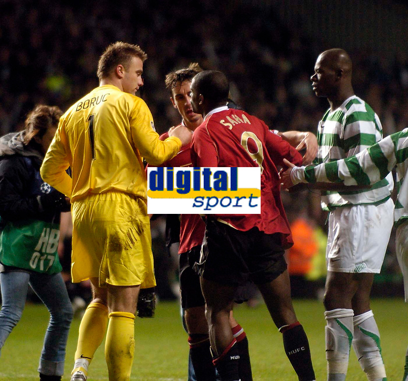 Photo: Jed Wee.<br /> Glasgow Celtic v Manchester United. UEFA Champions League, Group F. 21/11/2006.<br /> <br /> Celtic goalkeeper Artur Boruc (L) consoles Manchester United's Louis Saha at the end of the game after his penalty save from the United striker.