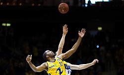 Berlin, Germany, 15.05.2015:<br /> Basketball Bundesliga Playoffs Viertelfinale 3. Spiel 2014 / 2015 - ALBA Berlin - EWE Baskets Oldenburg.<br /> <br /> Tip off Jel McLean (Alba #33)  -  Ad Chubb (Oldenburg #11) *** Local Caption *** © pixathlon