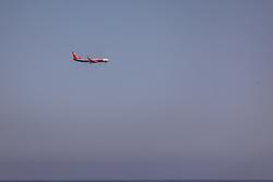 THEMENBILD - ein Flugzeug der Fluggesellschaft Jet2.com im Landeanflug an einem heissen Sommertag, aufgenommen am 15. August 2018 in Larnaka, Zypern // an airplane of the airline Jet2.com during the approach on a hot summer Day, Larnaca, Cyprus on 2018/08/15. EXPA Pictures © 2018, PhotoCredit: EXPA/ JFK