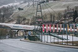 31.03.2020, Saalbach Hinterglemm, AUT, Coronaviruskrise, tägliches Leben mit dem Coronavirus, im Bild der Schattberg X-Press. Mit 01.04.2020, 00.00 Uhr wird die Pinzgauer Gemeinde Saalbach Hinterglemm unter Quarantäne gestellt // the Schattberg X-Press. The Pinzgau municipality of Saalbach Hinterglemm will be placed in quarantine on April 1, 2020 at 00:00., Saalbach Hinterglemm, Austria on 2020/03/31. EXPA Pictures © 2020, PhotoCredit: EXPA/ Stefanie Oberhauser