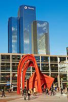 France, Hauts-de-Seine (92), La Défense, sculpture l'Araignée Rouge d'Alexander Calder et tour Total en arrière plan // France, Hauts de Seine, La Defense, Stabile sculpture by Calder called The Red Spider on the esplanad and Total tower