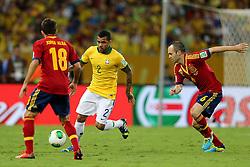 Daniel Alves na partida entre Brasil e Espanha válida pela final da Copa das Confederações 2013, no estádio Maracanã, no Rio de Janeiro. FOTO: Jefferson Bernardes/Preview.com