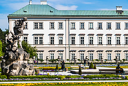 THEMENBILD - Teilansicht des Schloss Mirabell und seinen Gärten mit Besuchern. Das Schloss Mirabell und seine Gärten zählen zu den Touristenzielen in der Stadt, aufgenommen am 09. Mai 2018 in Salzburg, Österreich // Partial view of Mirabell Palace and its gardens with visitors. The Mirabell palace with its gardens is a listed cultural heritage monument and part of the Historic Centre of the City, Salzburg, Austria on 2018/05/09. EXPA Pictures © 2018, PhotoCredit: EXPA/ JFK