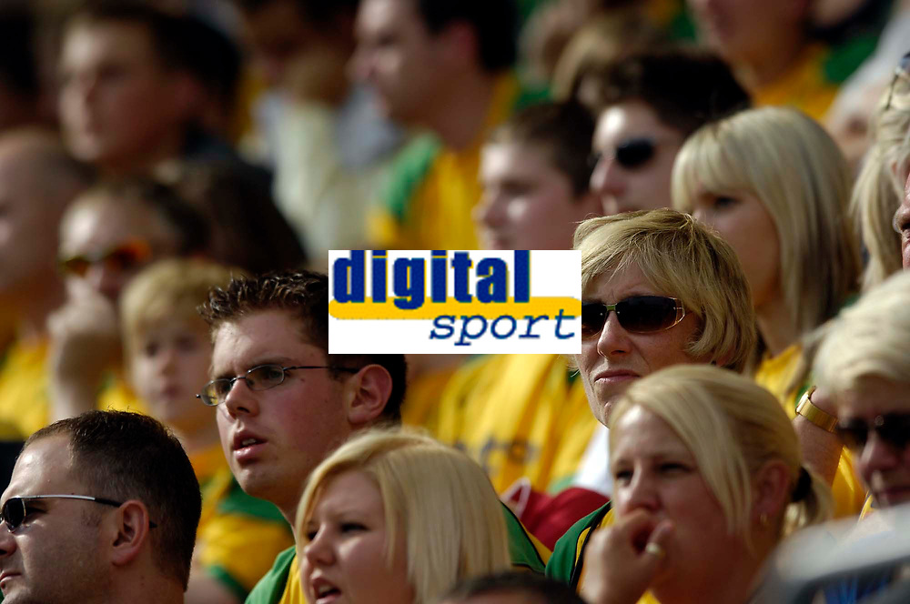 Photo: Jed Wee/Sportsbeat Images. <br /> Preston North End v Norwich City. Coca Cola Championship. 11/08/2007. <br /> <br /> Norwich fans look on as their team battle to hold onto a point at Preston.