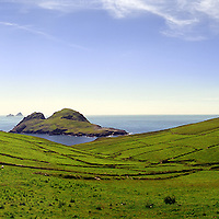 Puffin Island and The great Skelligs, County Kerry, Ireland / bs022