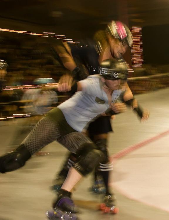 Derby Dolls Roller Derby 11-17-07: Sirens vs Tough Cookies