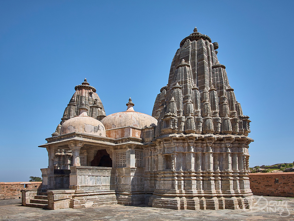 The Parsvanath Jain Temple is one of the most exquisitely carved and impressive temples within the fort complex at Kumbhalgarh Rajasthan India.