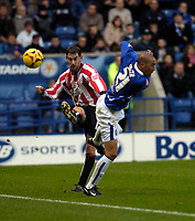 Photo: Leigh Quinnell.<br /> Leicester City v Southampton. Coca Cola Championship.<br /> 05/11/2005. Southamptons Michael Svensson sends the ball past Leicesters Ryan Smith.