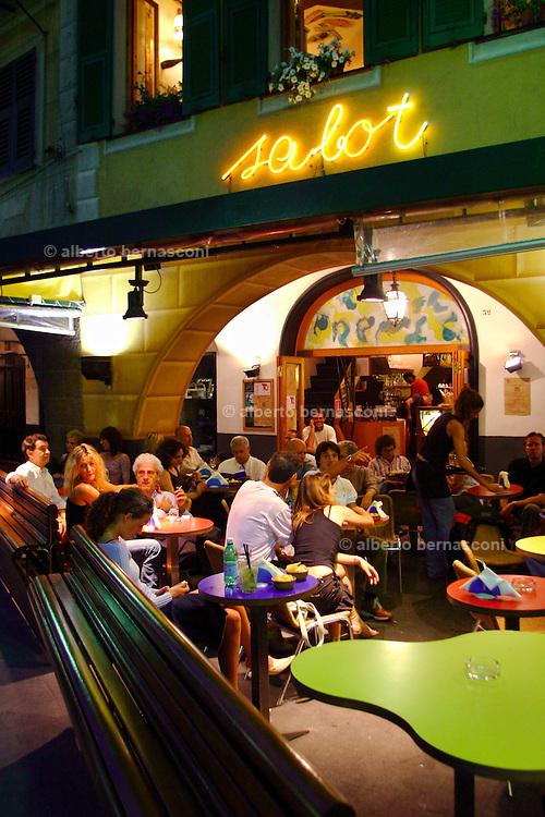 ITALY, Liguria, S. Margherita: il bar Sabot.....