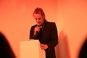 Rhys Ifans,  Whitechapel and Hogan present Art Pls Drama Party 2007. Whitechapel Gallery. London. 8 March 2007. -DO NOT ARCHIVE-© Copyright Photograph by Dafydd Jones. 248 Clapham Rd. London SW9 0PZ. Tel 0207 820 0771. www.dafjones.com.