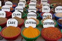 Egypte, Haute Egypte, vallée du Nil, Louxor, le souk de Louxor // Egypt, Nile Valley, Luxor, Luxor souk or market
